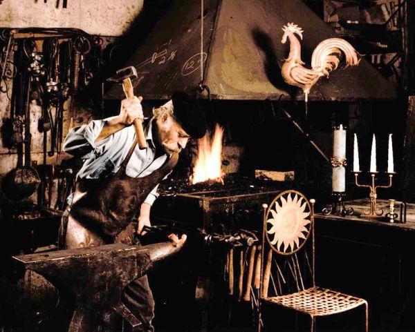 quebec-city-museums-economuseum-blacksmithing-full.jpg