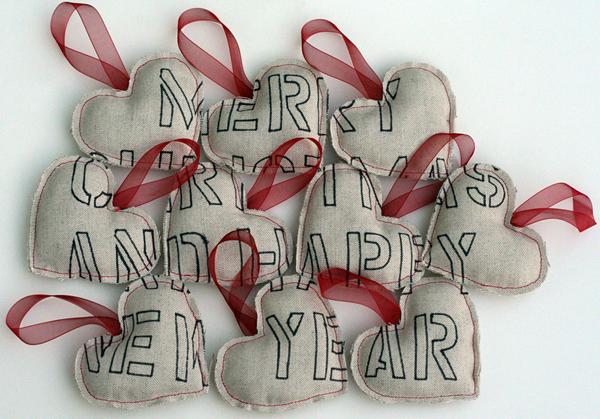 stencil_Christmas_ornaments.jpg
