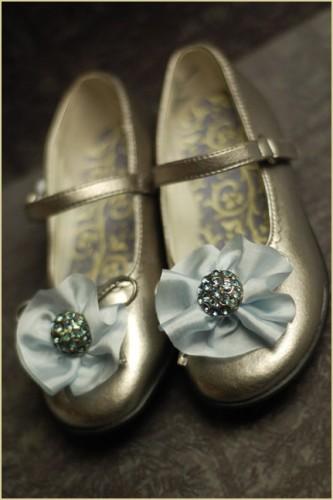 diy_rosette_shoes.jpg