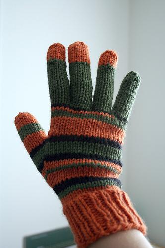 coraline_glove_pattern.jpg