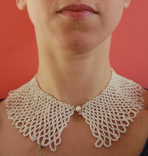 beaded_lace_collar.jpg