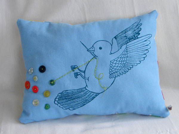 travel_crafty_boston_eggagogo_pillow.jpg