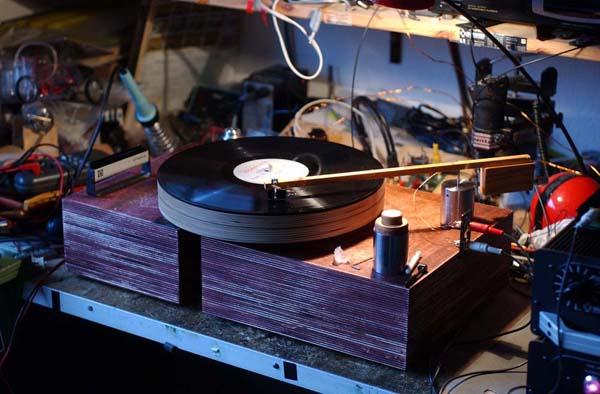 woodenTurntable3.jpg