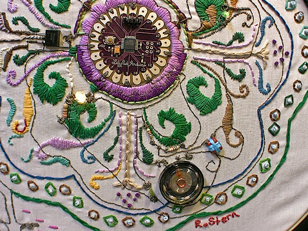embroidery_4a.jpg