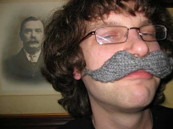 knittedmustachepattern.jpg