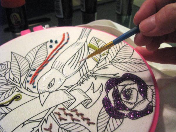 crafty_Chica_tote_glue.jpg