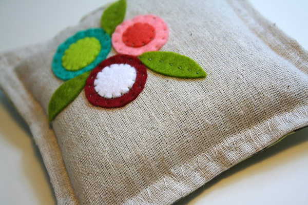 embroidered_sachet.jpg