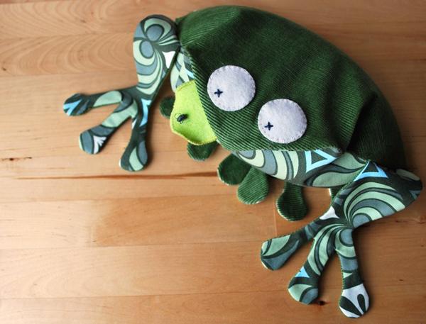 Froggiehotsock2.jpg