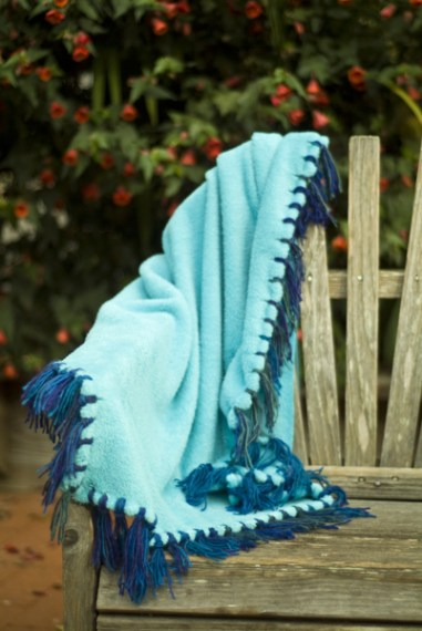 No-Sew Fringe Blanket | DIY Warm Winter Blankets To Keep Away The Winter Chill