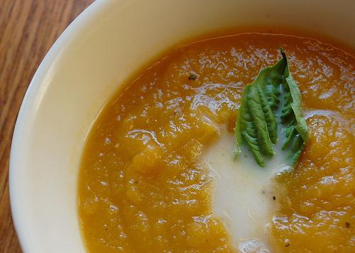 pumpkin soup neverhomemaker.jpg