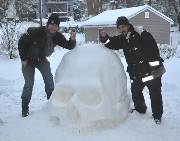 snow_skull.jpg