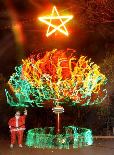 tesla_coil_christmas_tree.jpg
