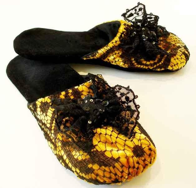 Velvet Slippers Sewing Pattern | Make: