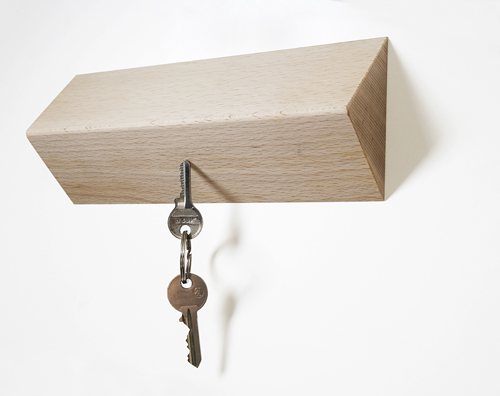 matarile_wooden_key_rack.jpg
