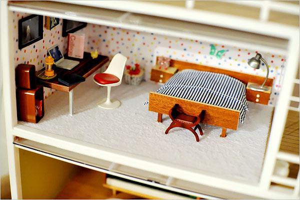 Modern_Miniatures_Dollhouse.JPG