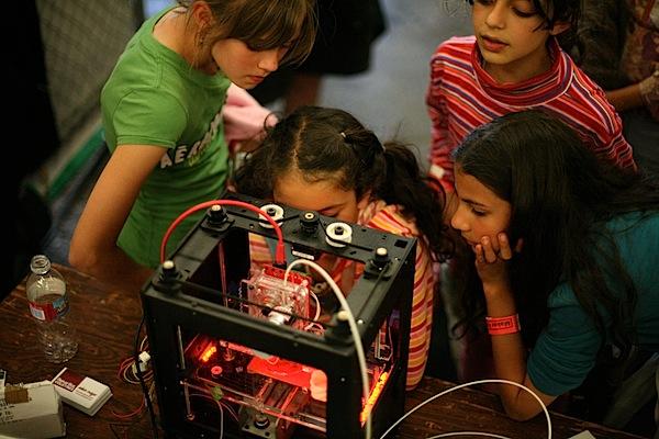 youngladiesmakerbot.JPG
