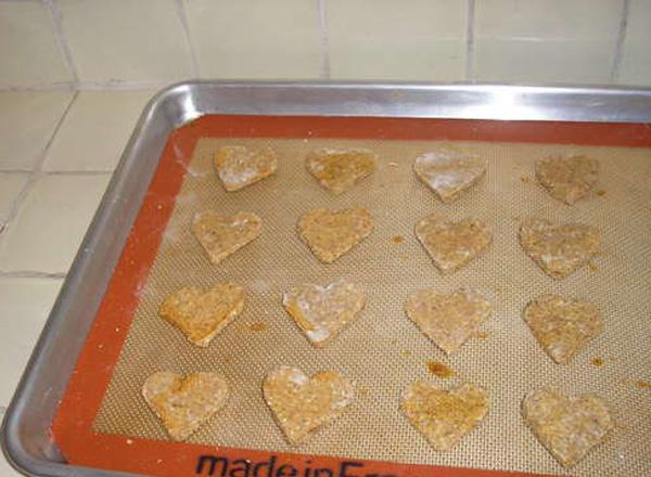 Homemade-Dog-Cookies.jpg