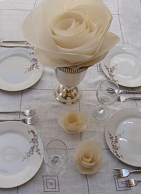 how_to_make_paper_cabbage_rose_table_decor.jpg