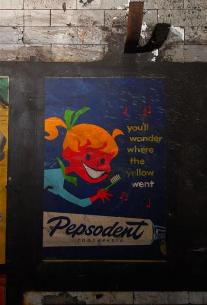 mid_century_posters_london_underground.jpg