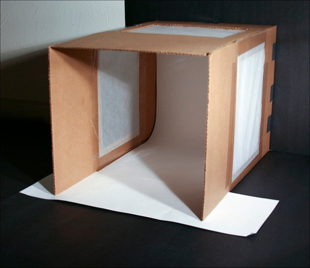 My first attempt at making a quick light tent/box