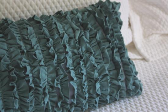 how_to_rufflle_shirt_pillow.jpg