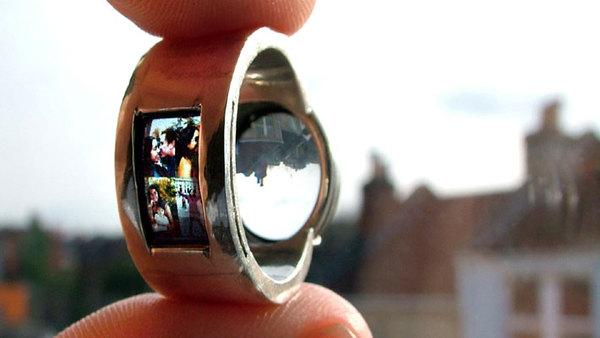 Projecting-ring_luke_jerram.jpg