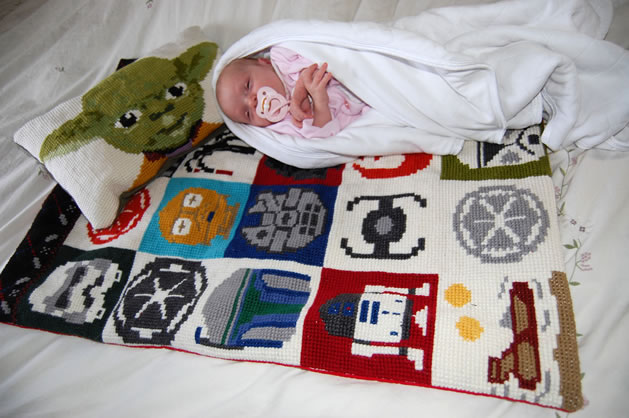 cross_stitch_star_wars_baby_blanket2.jpg