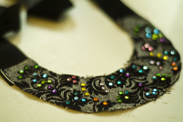crystal_brocade_necklace_05.jpg