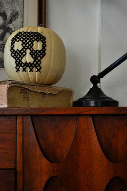cross_stitch_pumpkin.jpg
