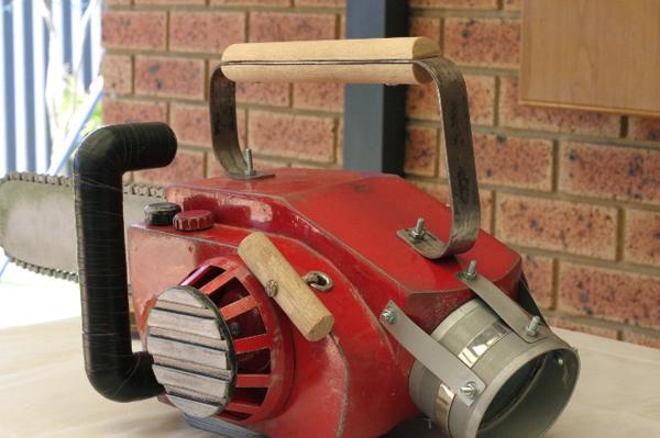 chainsaw2.JPG