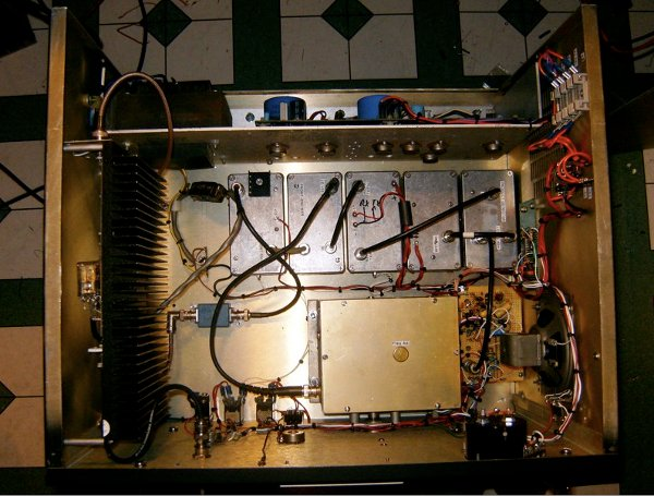 homebrew_ssb_transceiver_guts.jpg