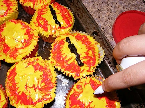 sauron_cupcakes.jpg