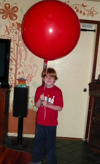 arlo_red_balloon.jpg