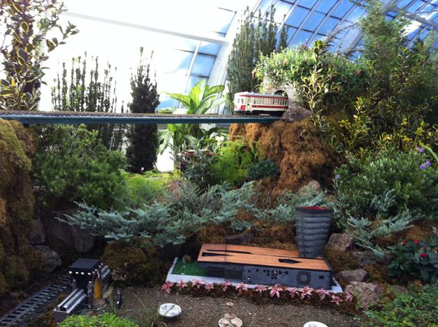 gardenrailway3.JPG