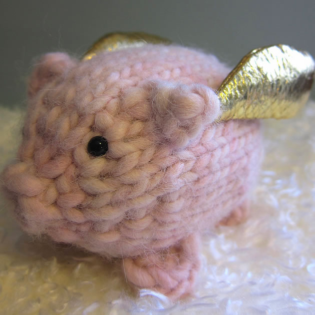 how_to_knit_flying_pig.jpg