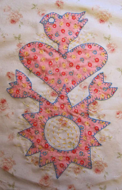 valentine_applique_quilt_top.jpg