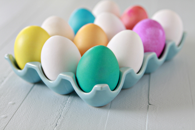 Kids\' Kitchen: Dyeing Easter Eggs | Make: