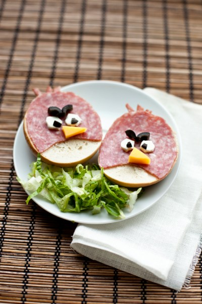 angry-birds-bagel-sandwiches.jpg