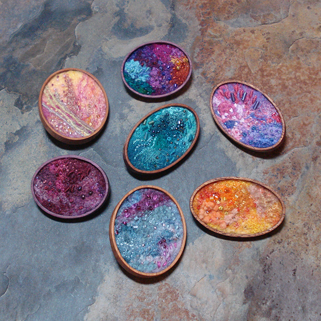 felted_brooches_wooden_bezels.jpg