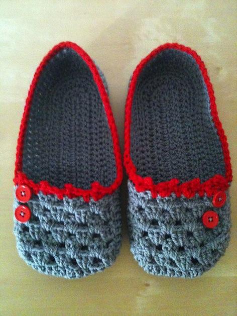 a_busy_little_hook_Cocoon_slippers.jpg