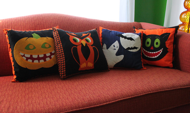 halloweenpillow_finished.jpg