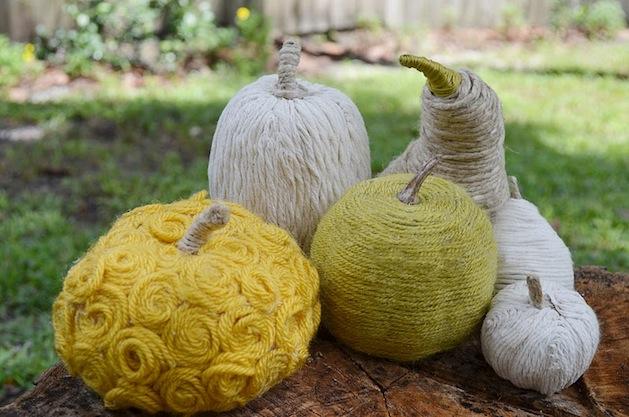 twoshadesofpink_yarn_wrapped_pumpkins.jpg
