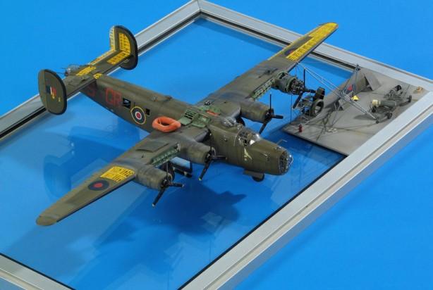 Scratchbuilt: Superdetailed B-24 Liberator | Make: