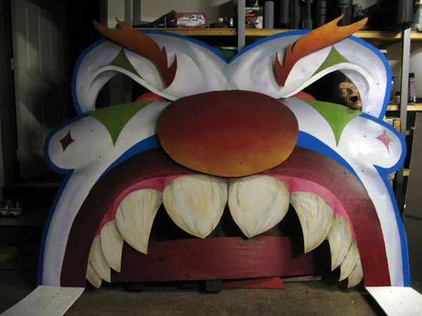 Creepy Homemade Funhouse Is Creepy And Epic Make