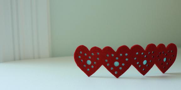 longthread_heartbracelet.jpg