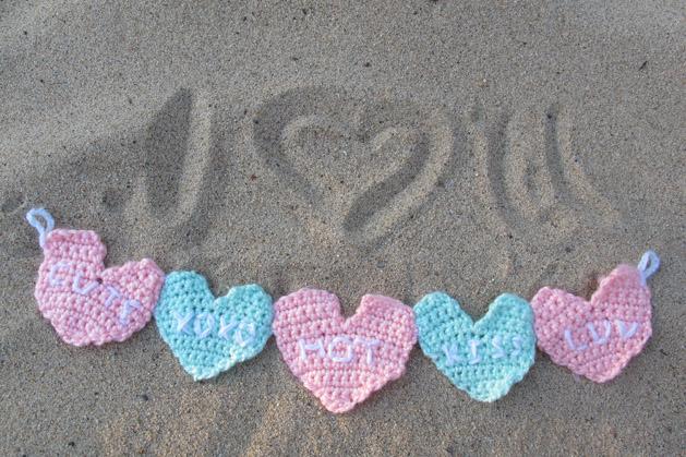 crochetconversationheart_finished3.jpg
