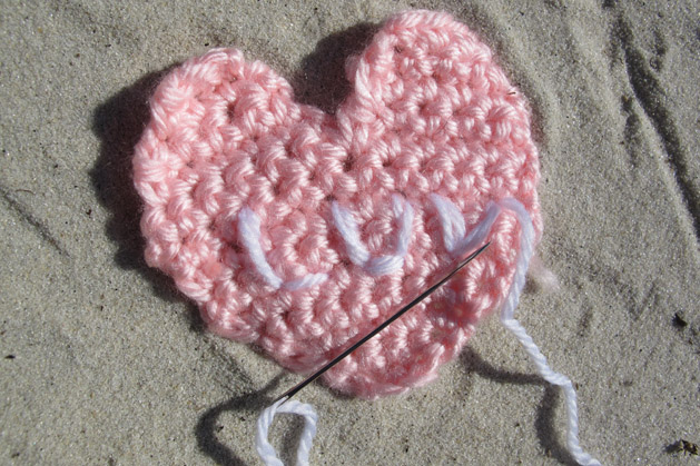 crochetconversationheart_step8.jpg
