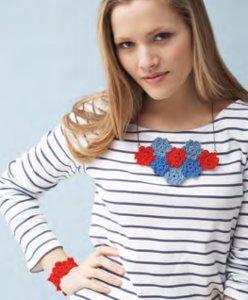 favecraftsblog_Crochet-Floral-Necklace.jpg