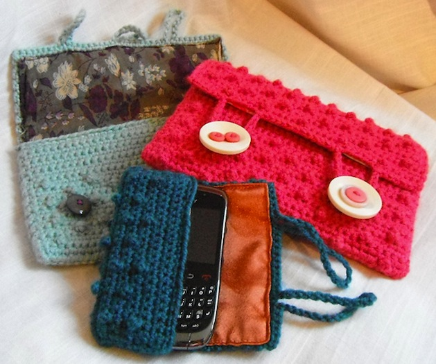 kultofcrochet_crocheted_bobbly_electronic_case.JPG