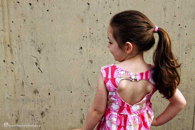 luvinthemommyhood_Sweetheart_Dress_Tutorial_flickr_roundup.jpg